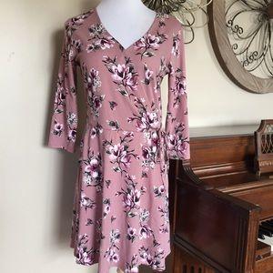 NWT IZ Buyer Size XL Pink Floral Faux Wrap Dress